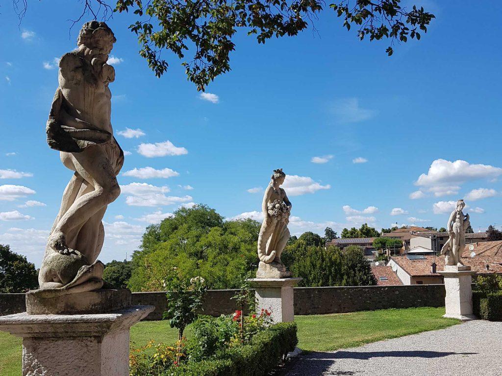 Giardino all'italiana e Statue di Volta Mantovana