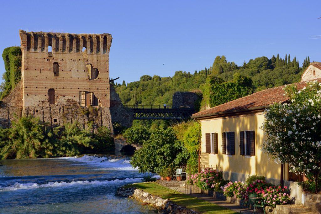 Ponte di Borghetto sul fiume Mincio